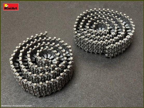 T-55/ T-62/ T-72 RMSh (late) workable track links set 1:35