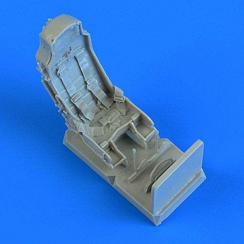 J-29 Tunnan seats with safety belts 1:48