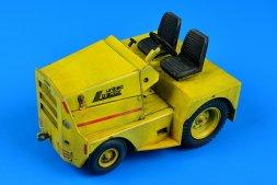 Aerobonus GC-340/SM340 tow tractor (dual mounting) 1:32