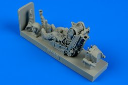Aerobonus Soviet Fighter Pilot with ejection seat for Su-27 1:32