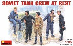 Soviet Tank Crew ar rest WW.II 1:35