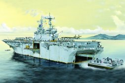 Hobby Boss USS Essex LHD-2 1:700