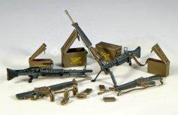 Plusmodel U.S. Weapons Vietnam 1:35