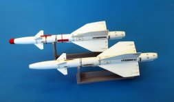 Plusmoderl R-98T / AA-3B Anab 1:48