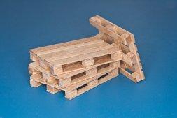 RB model wood pallets (euro pallets) 1:35