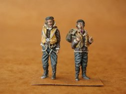 CMK RAF Pilots before Flight WW II 1:48