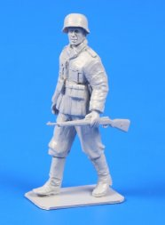 CMK German WWII Soldier with mauser 98 Rifle 1:48