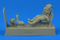 Luftwaffe Pilot for Bf 109 with seat 1:32