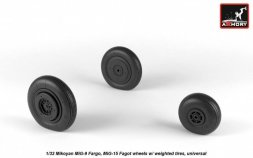 MiG-9 / MiG-15 (early) wheels w/ weighted tires 1:32