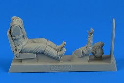 German Luftwaffe Pilot with seat for Me 262A 1:32
