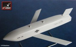 AGM-158 JASSM Air-Ground guided missile 1:48