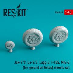 Soviet fighter Aircraft wheels WWII (ground airfields) 1:48