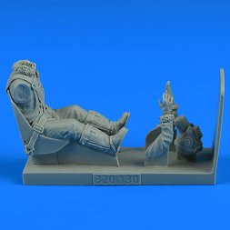 USAF WWII Pilot with seat for P-47 Thunderbolt 1:32