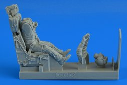 German F-104G/S fighter Pilot in ejection seat 1:32