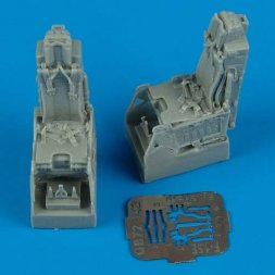 F-15E ejection seats with safety belts 1:72