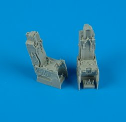 Quickboost F-15D ejection seats with safety belts 1:48