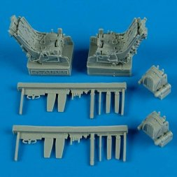 Su-27UB ejection seats with safety belts 1:48