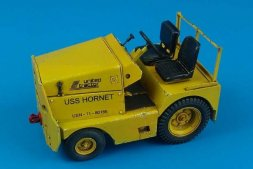 Aerobonus GC-340/SM340 tow tractor US NAVY/ARMY 1:32