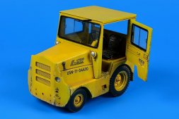 Aerobonus GC340-4/SM-340 tow tractor (with cab) 1:32