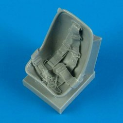 Bf 109E seat with safety belts 1:32