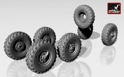 Armory ZiL-131 wheels w/ M-93 tires 1:72