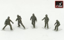 Soviet/ Russian Airfield firefighters (modern) 1:72