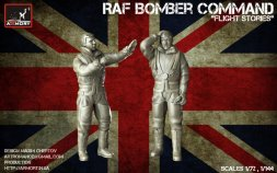 RAF WWII crewmen in high altitude outfit P.I 1:72