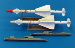 R-24R / AA-7C Apex 1:48